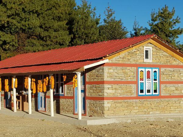 Das fertige Dorf-Bildungszentrum in Hile